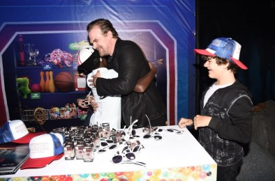 Nerdeek Life DS1_1315 The Stranger Things Cast Made Fans' Day at The Netflix Experience Conventions
