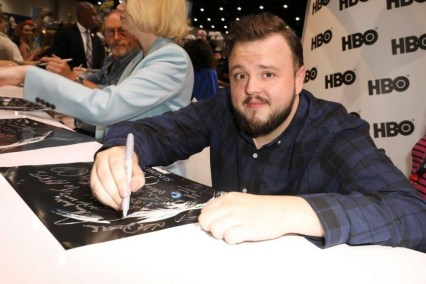 """Nerdeek Life Game-of-Thrones-SDCC-2017-Signing-02 Game of Thrones: """"Let's finish with a high kicking number!"""" Conventions"""