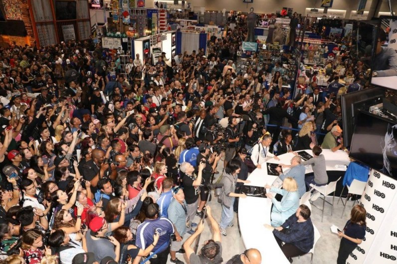 """Nerdeek Life Game-of-Thrones-SDCC-2017-Signing-10 Game of Thrones: """"Let's finish with a high kicking number!"""" Conventions"""