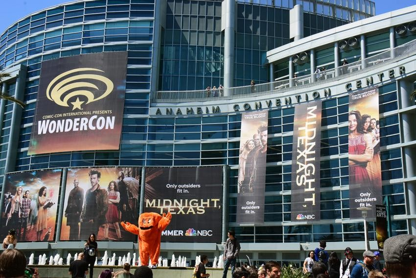 Nerdeek Life 001_wca2017_outside-gossamer_kg WBTV Brings Out the Big Guns at WonderCon 2018: Featuring Krypton, Constantine, Lucifer, and More! Conventions Nerdeek Life Sci-fi