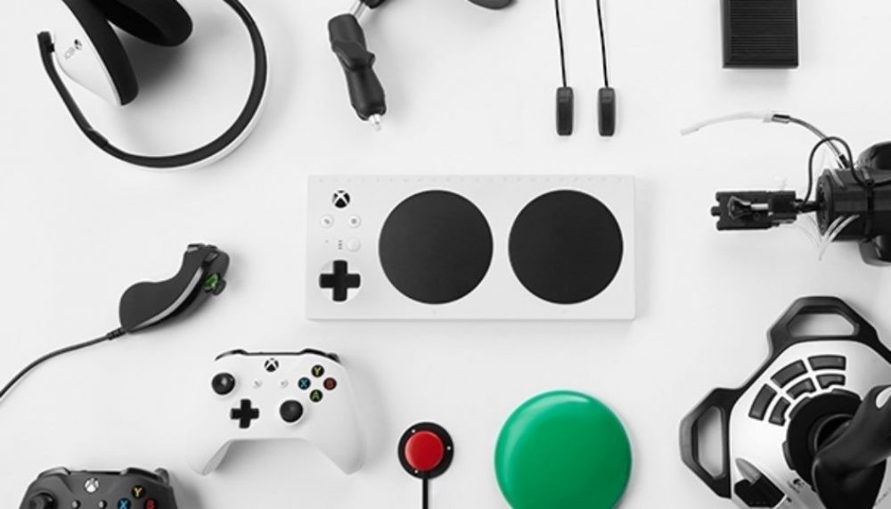 Nerdeek Life microsoft-officially-unveils-xbox-adaptive-controller-1526545624725-1050x600 Xbox introduces the Adaptive Controller and its accessible box design Gaming Nerdeek Life Tech