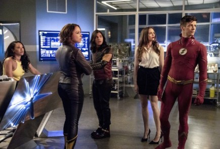 Nerdeek Life the-flash-season-5-photos-5 The Flash's 'Blocked' Proved Who We Are Always Rooting For Nerdeek Life Roundtables