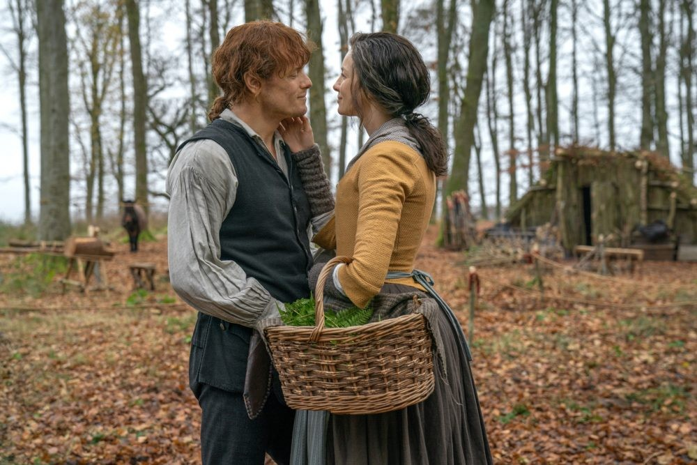 "Nerdeek Life Outlander-4x04-13 Outlander's ""Common Ground""- Jamie and Claire try to make nice with their neighbors Nerdeek Life Roundtables"