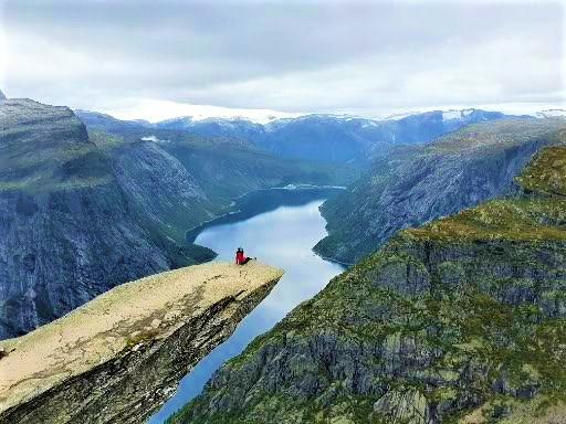 Trolltunga Kayasına Nasıl Tırmanılır?