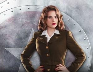 Se non ve la ricordate, Peggy Carter è la tipa del primo film di Capitan America...
