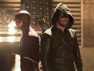 I nuovi costumi di Arrow e Flash