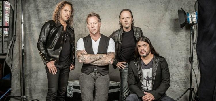 Da esquerda para a direita: Kirk Hammet, James hetfield, Lars Ulrich e Robert Trujillo
