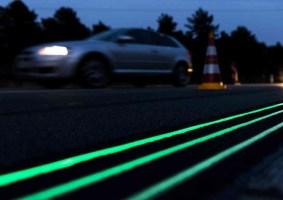 Holanda pinta estrada com tinta que brilha no escuro