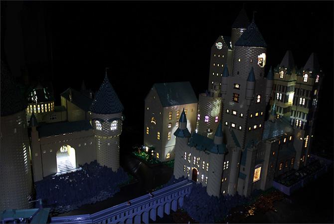 Castelo-de-Hogwarts-com-LEGO-(3)