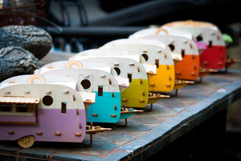 Casos de passarinho vintage que parecem trailers