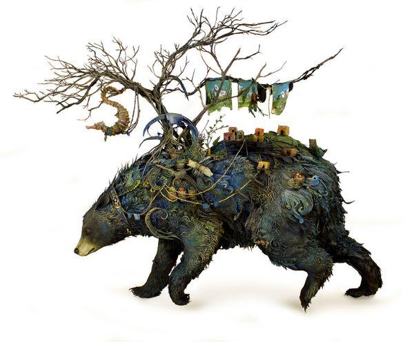 Esculturas surreais de criaturas e elementos da natureza