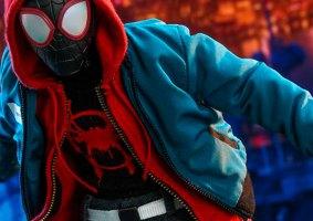 Olha que demais essa figura de ação do Homem-Aranha: No Aranhaverso