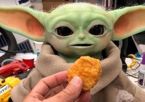 Robô Baby Yoda será levado para visitar crianças em hospitais