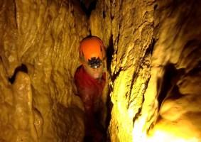 Uma compilação de cavernas claustrofóbicas