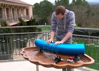 A música tema de Interestelar tocada no instrumento hydraulophone