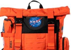 Mochila da NASA traz cores retrô e modernas