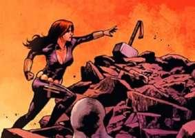 Viúva Negra empunha o Mjolnir e se torna Thor em multiverso da Marvel