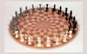 3 man chess game