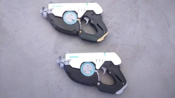 Tracer's Guns (2 pack)