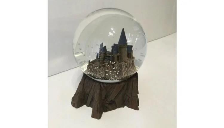 Hogwarts Snow Globe