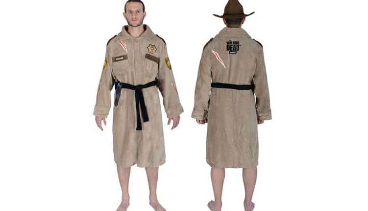 rick grimes bath robe