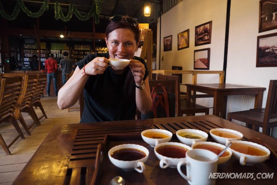 Tea_Drinking_Nuwara_eliya