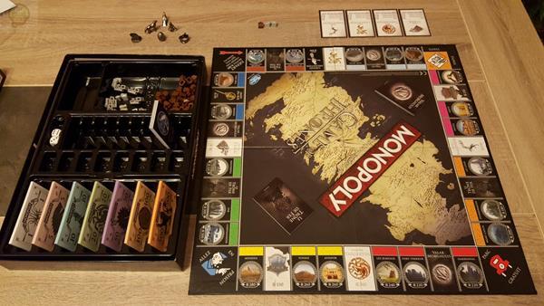 Contenuto confezione Monopoly Games Of Thrones