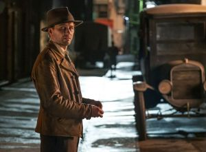 Matthew Rhys como Perry Mason