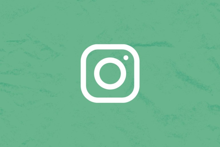 How to change story background on Instagram