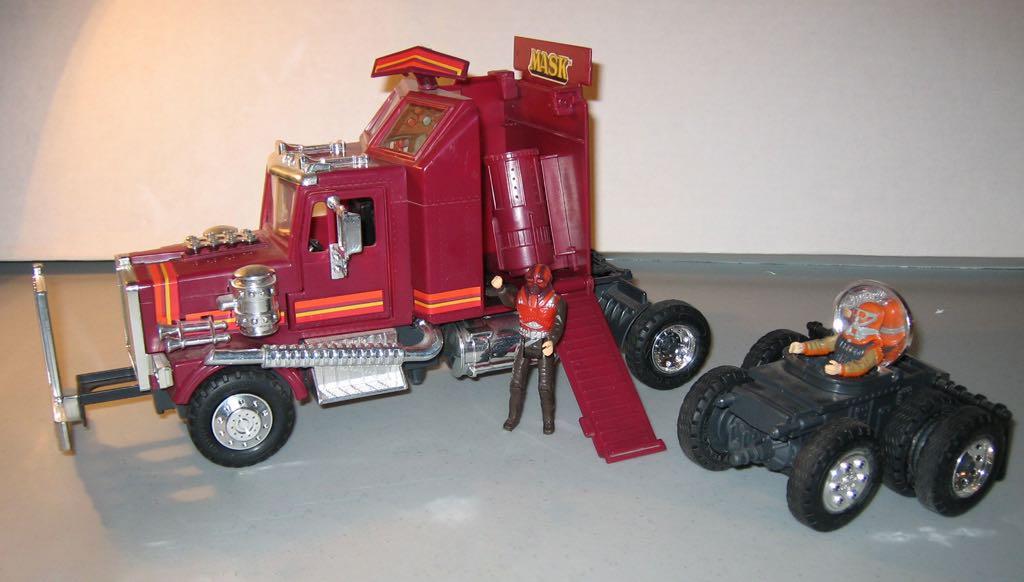 rhino-mask-80s-toys