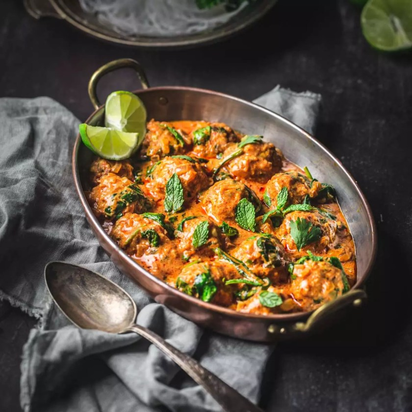 Red Curry Chicken Meatballs