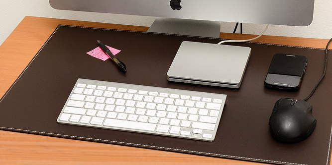 Guide to the Best Leather Desk Pads for the Office in 2018