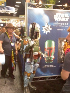 Feared intergalactic bounty hunter Boba Fett wasn't too busy tracking down criminal scum to pose for some pictures at the con.