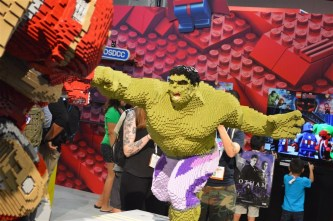 Lego Hulk and Hulkbuster