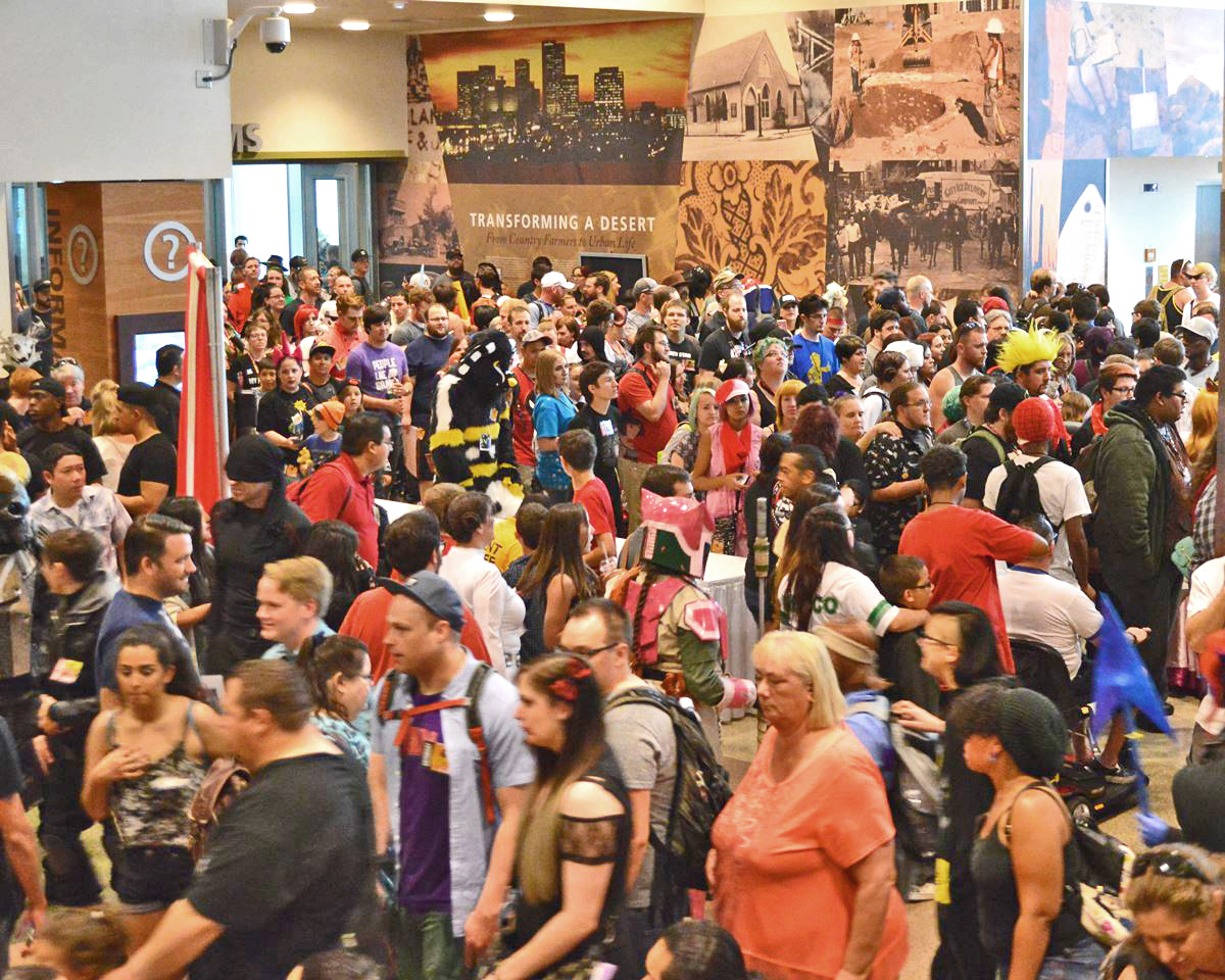 Phoenix Comicon chooses paid staff over dues-paying volunteer model
