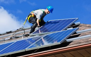 "Solar industry jobs grew 25 percent, to more than 260,000 nationwide in 2016, while growth in Arizona was a more modest 6 percent, climbing to 7,310 jobs, a new report says. (<a href=""https://flic.kr/p/eZg3Ps"" target=""_blank"">Photo</a> by Elena Elisseeva, <a href=""https://www.flickr.com/photos/greensmps/"" target=""_blank"">Greens MPs</a>/<a href=""https://creativecommons.org/licenses/by-nc-nd/2.0/"" target=""_blank"">Creative Commons</a>)"