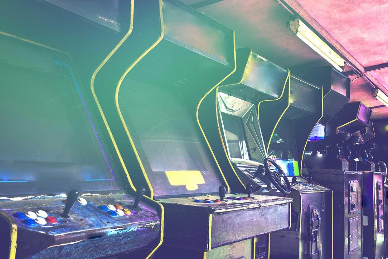 vintage arcade games cabinets