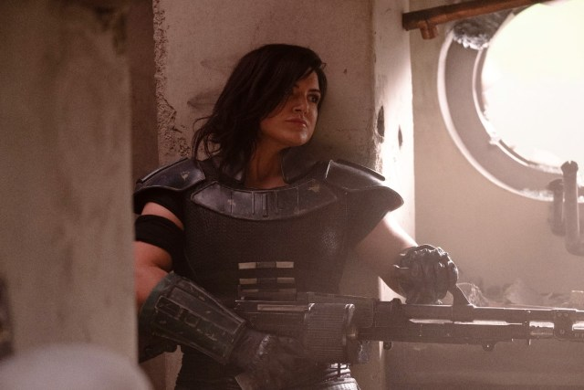 Caption : Cara Dune (Gina Carano) in Lucasfilm's THE MANDALORIAN. Byline : Melinda Sue Gordon Copyright : © 2018 Lucasfilm Ltd. All Rights Reserved.