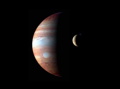 Image montage of Jupiter and its moon Io taken by the New Horizons spacecraft in 2007