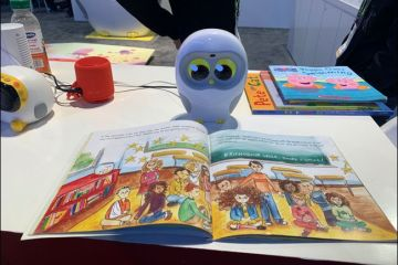 Luka, Picture Book Reading Robot