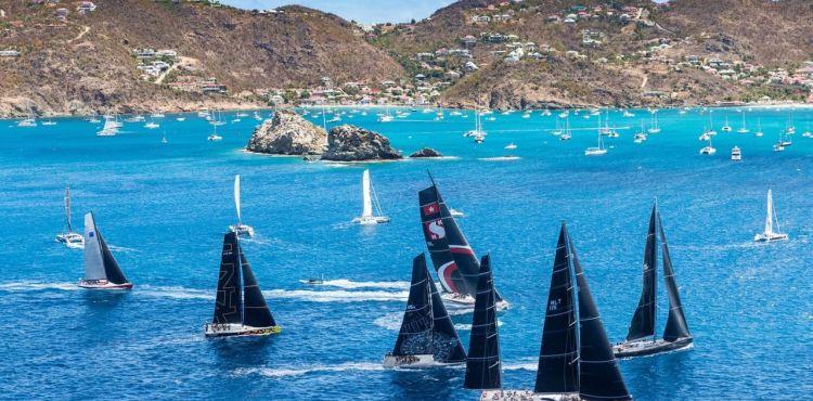 Ambersail 2 vejasi konkurentus regatoje Karibuose © Christophe Jouany
