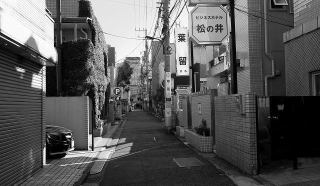 富士フイルム X-T10 と新宿・百人町を歩く (4/5)
