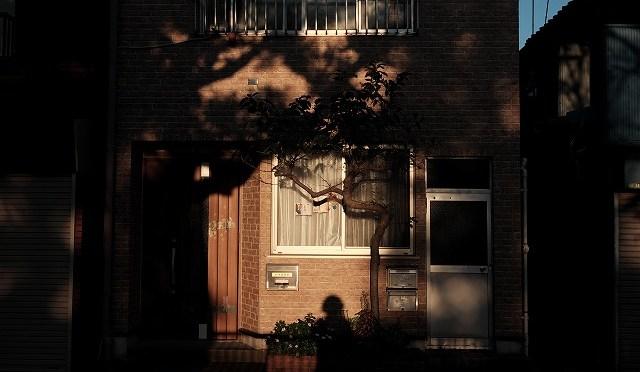富士フイルムX-T10/XF 23㎜ F1.4で金八先生の舞台・北千住を歩く♪ (3/4) 昭和が冷凍保存された街・柳原千草通り