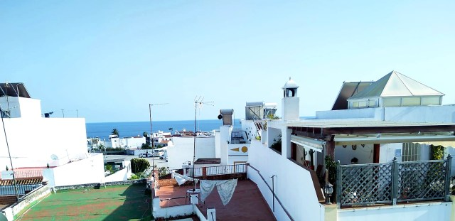 Nerja Parador house independent apartments 4 bedrooms spacious terrace solarium