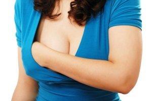 Зеленые выделения при мастопатии