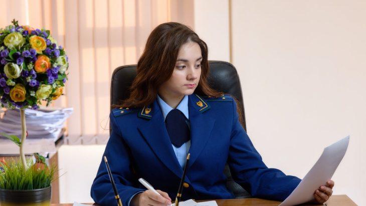 Тольяттинская прокуратура вступилась за сироту
