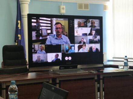 Тольяттинские чиновники вышли на режим видео-конференции