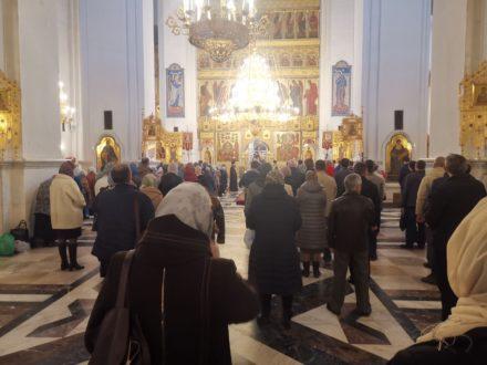 Жители Тольятти отметили Вербное воскресенье  посещением храмов