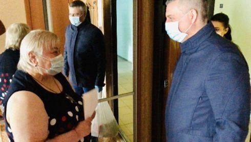 В Тольятти продолжают оказывать помощь пожилым людям