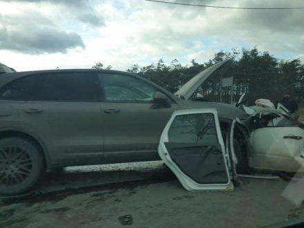 В Самарской области в ДТП с дорогой иномаркой погиб водитель